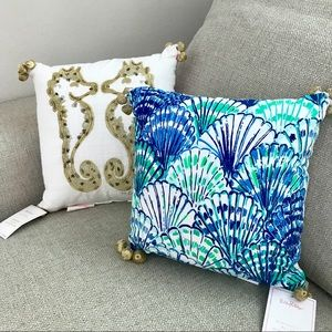 NWT Lilly Pulitzer Reversible Pillow Set
